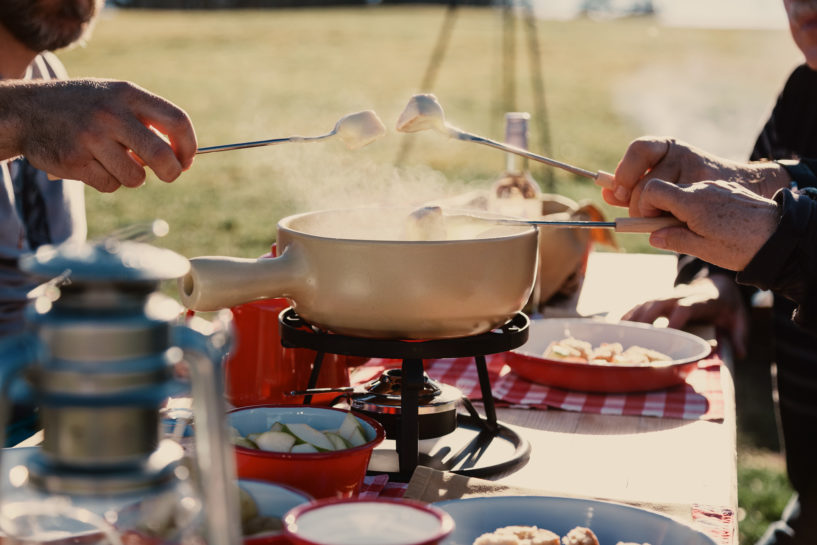 Nomady camp camping Schweiz Draussen Kochen Fondue07