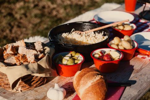 Nomady camp camping Schweiz Draussen Kochen Fondue03