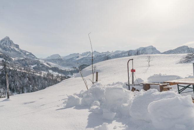 Nomady camp camping Schweiz Blog Steinen Bergblick13